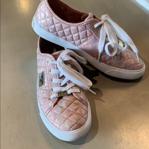 Shoes - Gorgeous iridescent pink GUESS sneakers 7,5